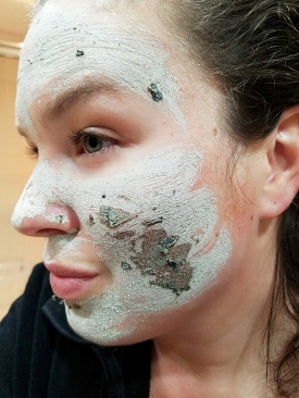 exfoliating glam glow mask
